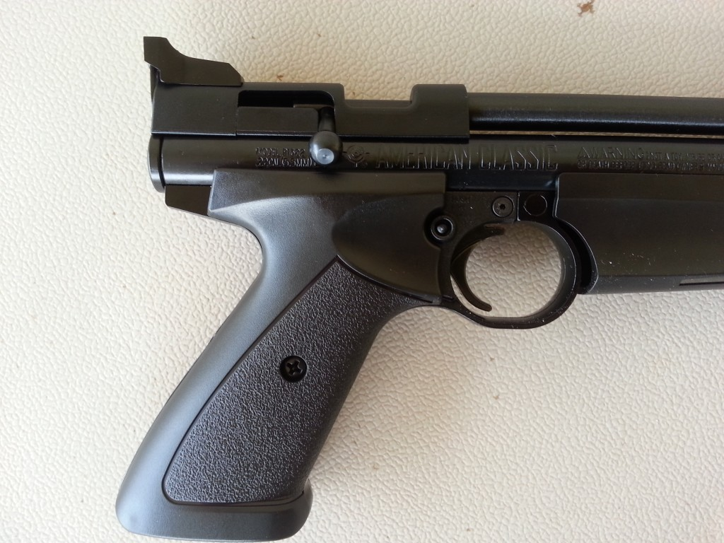 Crosman 1322 air pistol 2